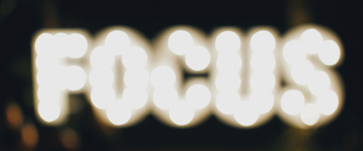 Bright sign with the word focus to attract people's attention